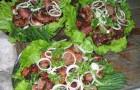 Шашлык из баранины с луком и чесноком