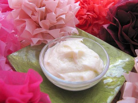Крем для очищения чувствительной кожи