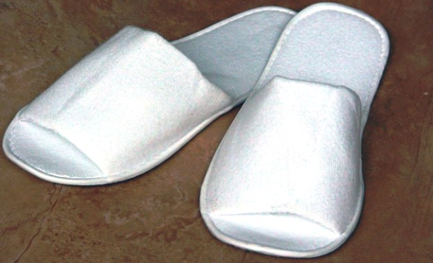 Обувь для бани