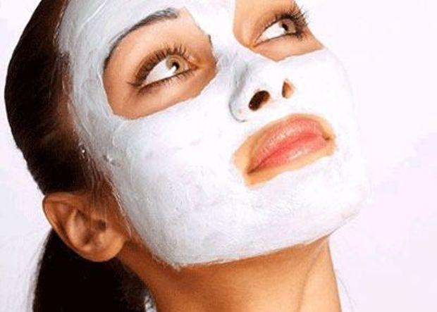 Питательная и подтягивающая маска