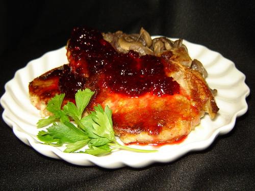 Шашлык из свинины с клюквенным соусом