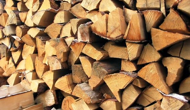 Требованиям к дровам для бани