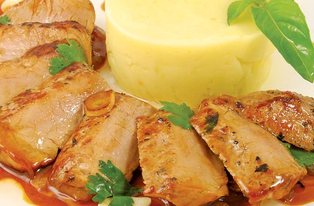 Барбекю из свинины с картофельным пюре