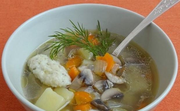 Грибной суп с манными клецками