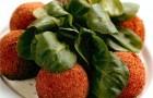 Картофельные шарики «Колобок» с грибным соусом