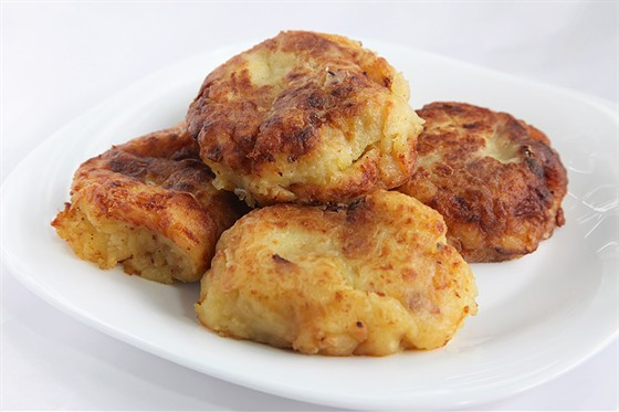 Картофельные зразы с соевым гуляшом