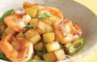 Креветки с картофелем