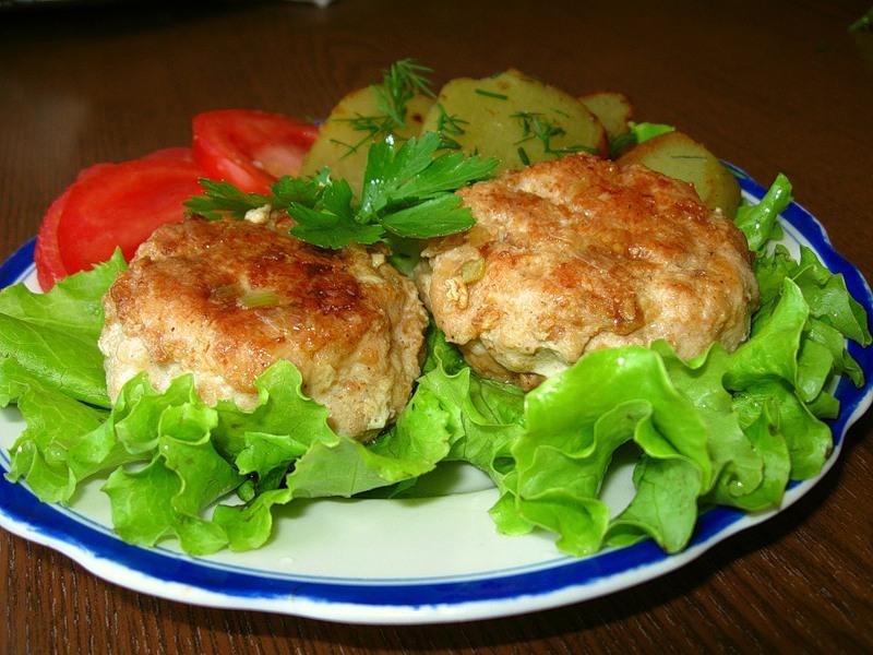 Куриные котлетки с гречкой «Кукареку»