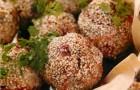 Куриные шарики с кунжутом
