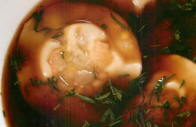 Легкий суп с равиоли из белых грибов