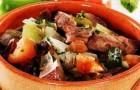 Острый соус с грибами и луком