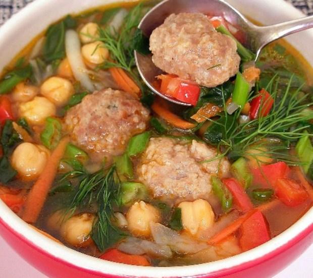 Острый томатный суп с горохом нут
