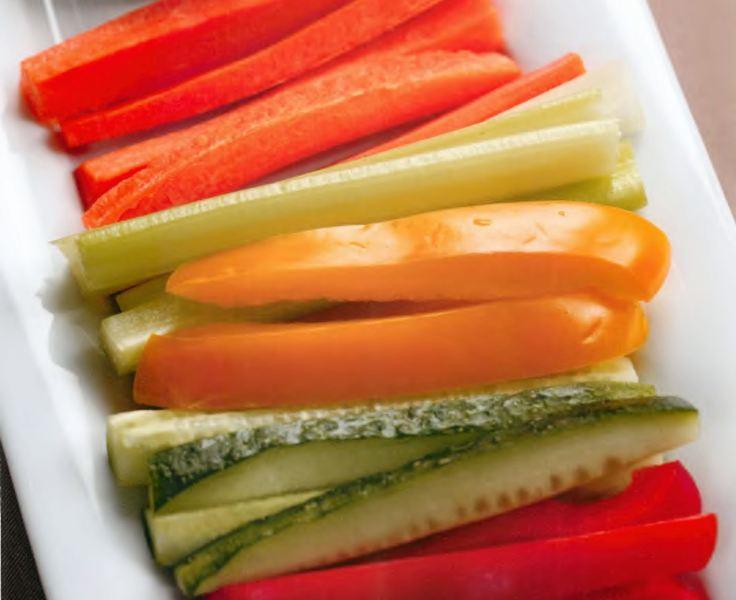 Овощные палочки с сырным кремом