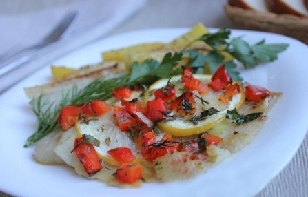Рыба с красным болгарским перцем