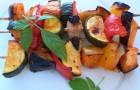 Шашлык из картофеля, помидоров и грибов