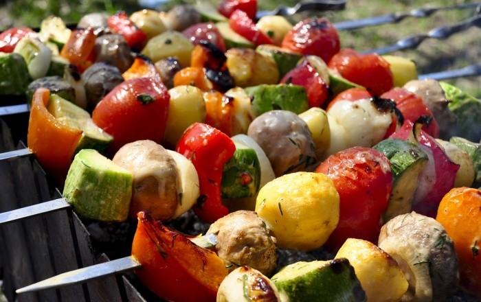 Шашлык из картофеля с болгарским перцем и помидорами