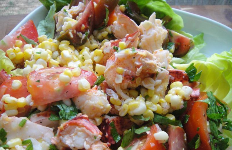 Салат с грибами, помидорами, кукурузой