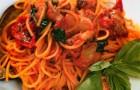 Спагетти с вялеными помидорами в баклажанах