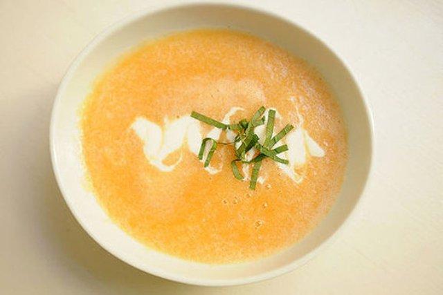 Суп из дыни с кокосовым сорбетом