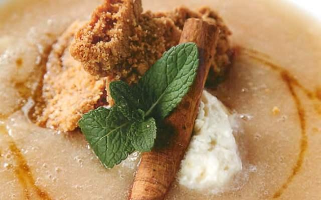 Суп из груш с корицей и медом