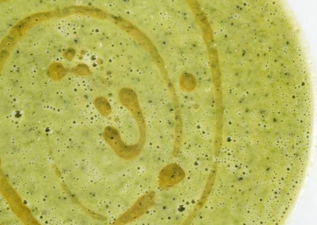Суп-крем из зеленого горошка и брокколи