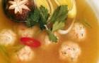Суп с креветочными клецками