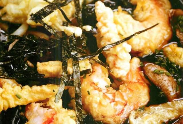 Суп суимоно с креветкой и лапшой