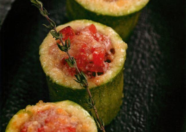 Цукини с конкассе из помидоров под сырной корочкой