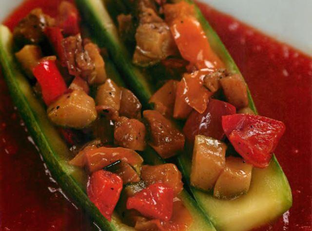 Запеченные цукини с овощным рататуем