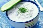 Заправка из йогурта с чесноком и эстрагоном