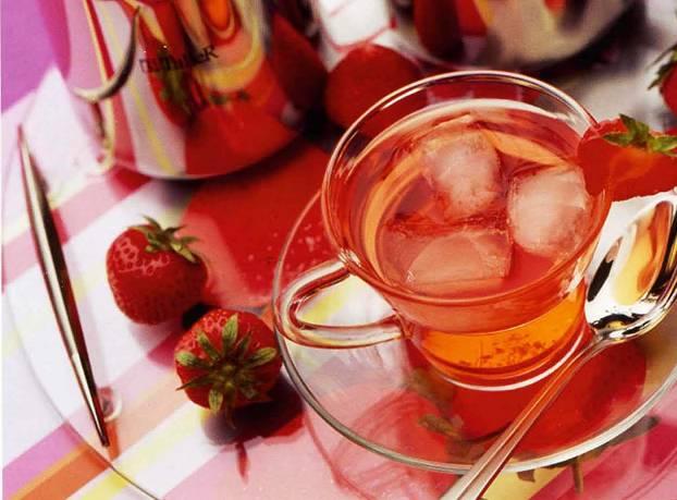Земляничный чай с лимонным соком