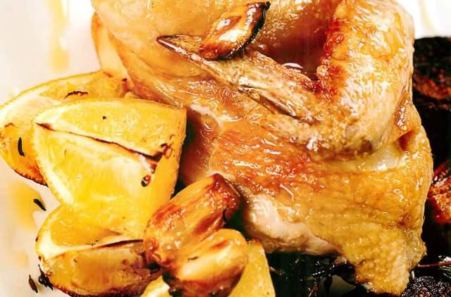 Курица, запеченная с чесноком и инжиром
