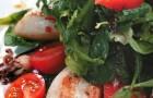 Пикантный салат с кальмарами и грейпфрутом