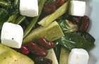 Салат из фасоли и цукини с сыром фетаки