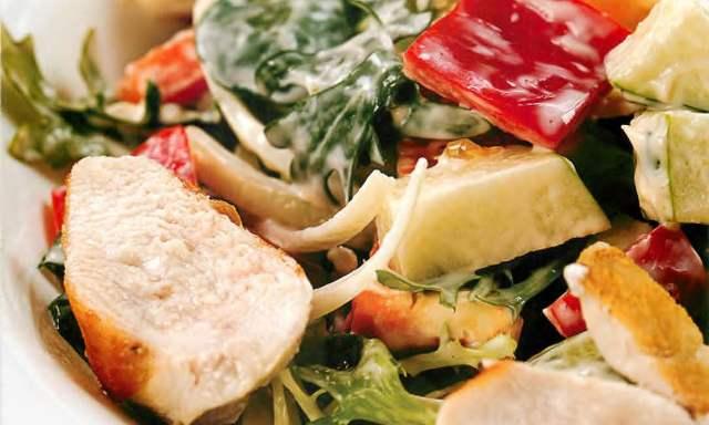 Салат из индейки по-венгерски