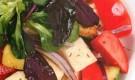 Салат с сыром сулугуни и кабачками