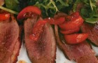 Салат с утиной грудкой и кумкватом в карамели