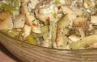 Салат с вешенками и бальзамической заправкой
