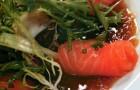 Сашими-салат с лососем