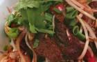 Теплый салат с говядиной и ростками сои по-азиатски