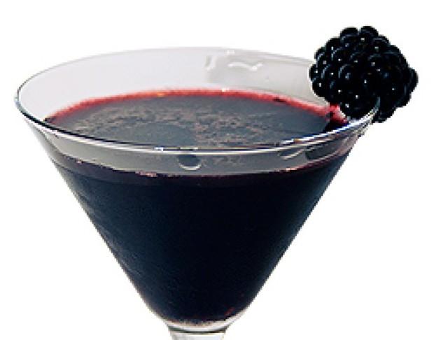 Вино ежевичное полусладкое и сладкое