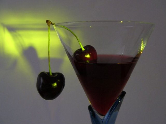 Вино вишневое крепкое