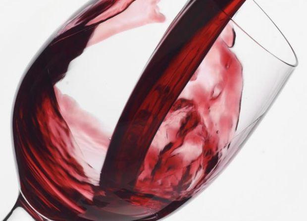 Вино вишневое натуральное