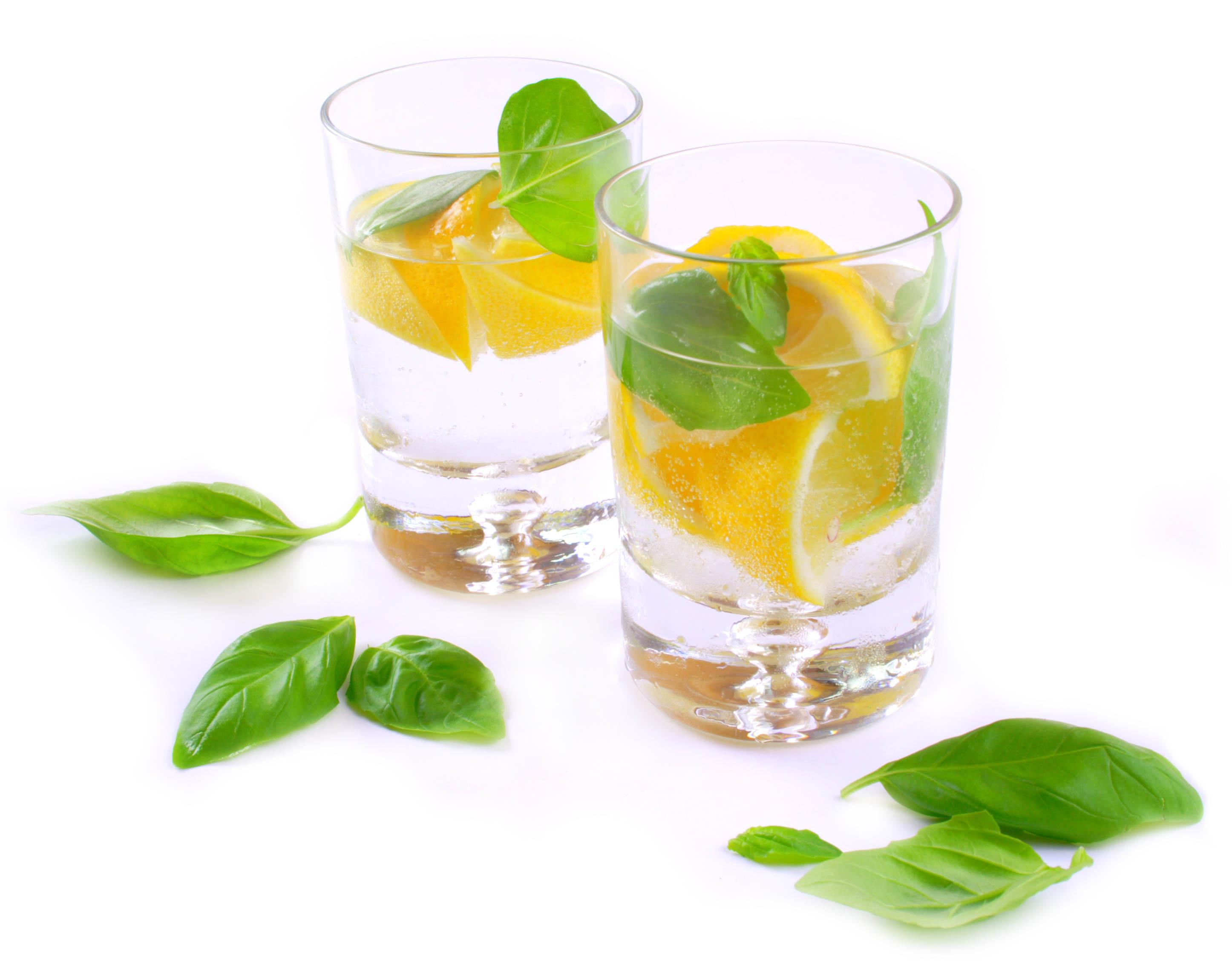 Водка дягильная с лимоном