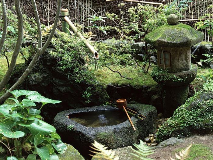 Чаши для воды в японском саду