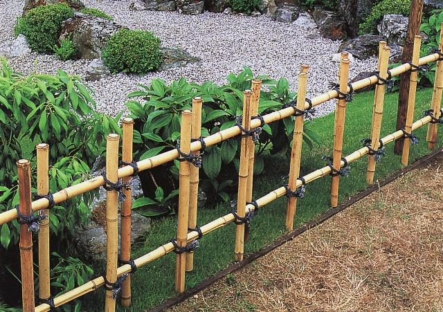 Разделяющие бамбуковые изгороди
