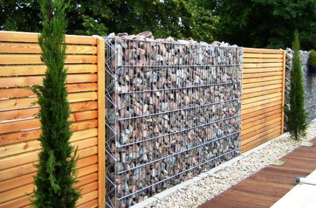 Забор для дачи: каждому свое