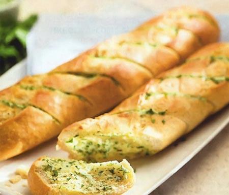 Кукурузный хлеб с сушеной черникой