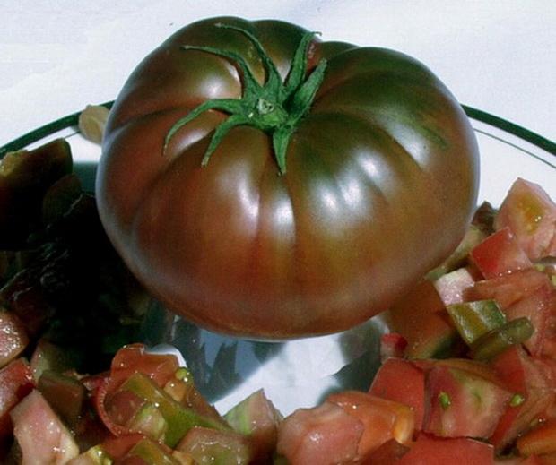 Сорт томата: Малиновый шар