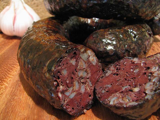 Польская кровяная колбаса с гречневой кашей